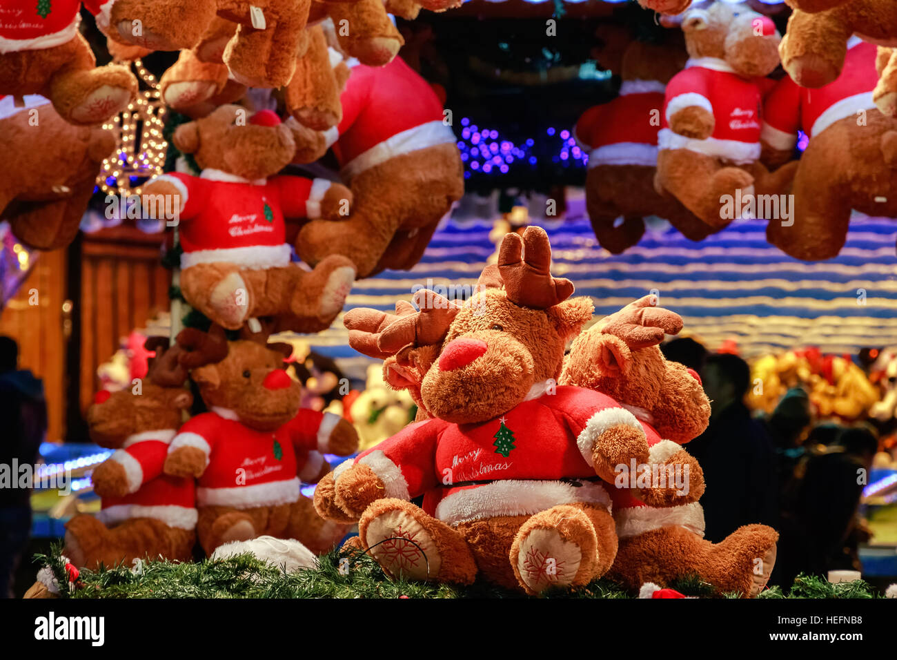 Rennes en peluche dans une foire de Noël, Winter Wonderland Photo Stock
