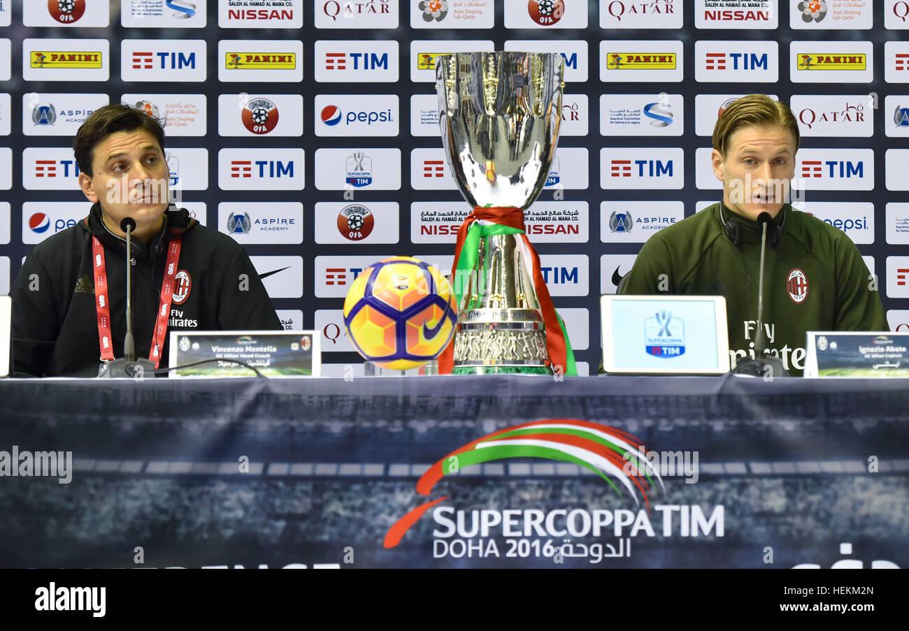 (161223) -- DOHA, le 23 décembre 2016, (Xinhua) -- L'AC Milan entraîneur en chef Vincenzo Montella Photo Stock