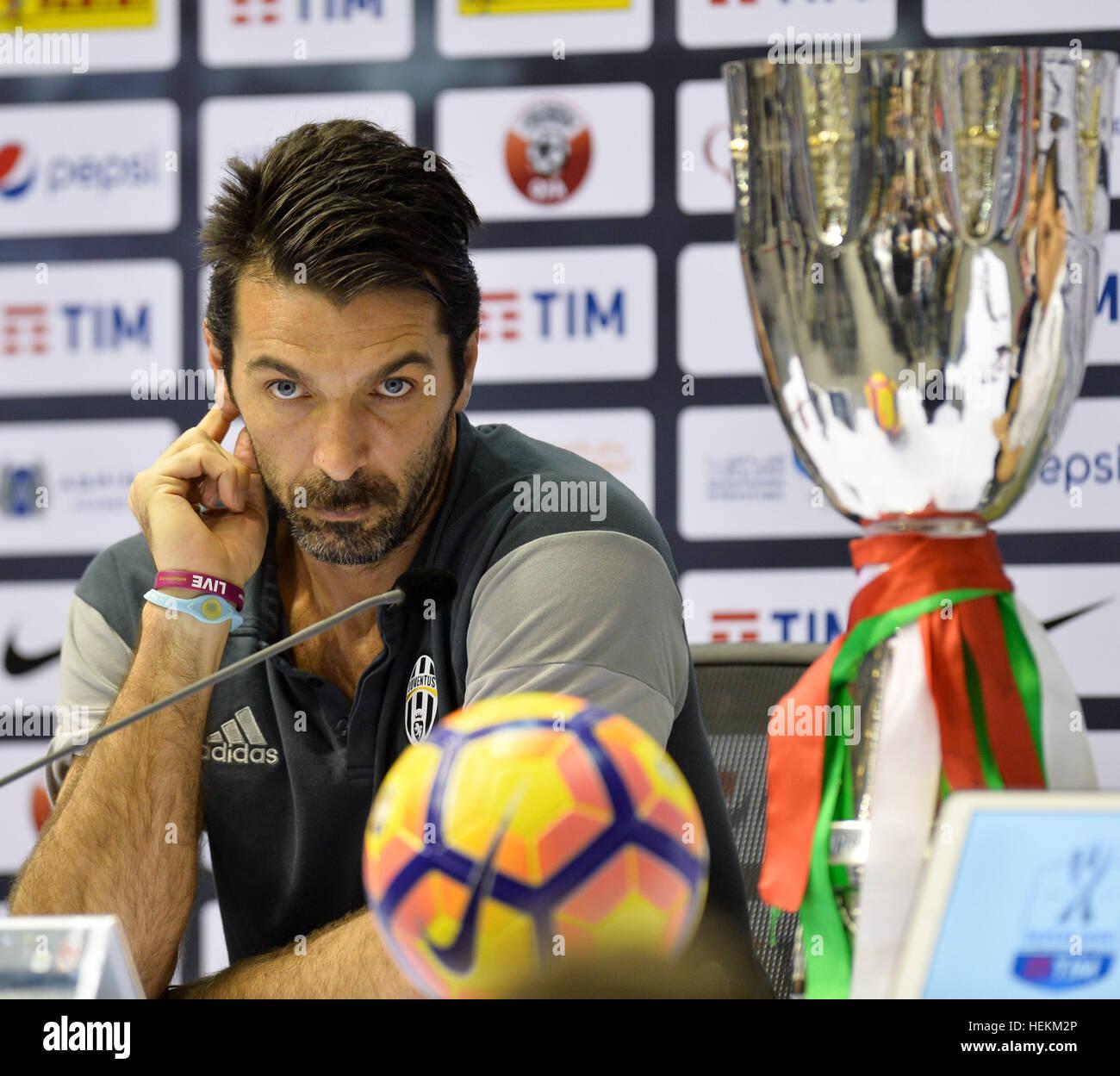 (161223) -- DOHA, le 23 décembre 2016, (Xinhua) -- la Juventus' gardien italien Gianluigi Buffon ressemble Photo Stock