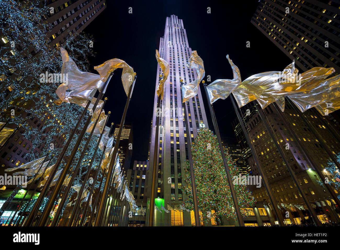NEW YORK CITY - 23 décembre 2016: les lumières de Noël décorer la ville pour la période Photo Stock