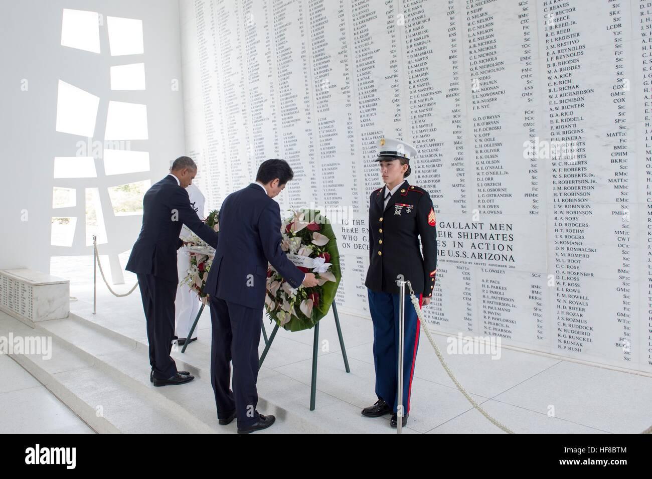Pearl Harbor, Hawaii. Dec 27, 2016. Président américain Barack Obama et le Premier ministre japonais Shinzo Photo Stock