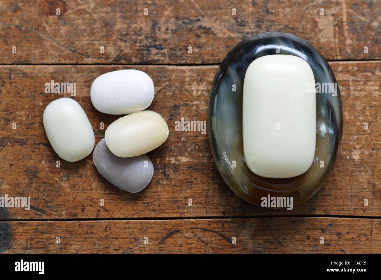 Les savons sur une corne naturelle de savon Photo Stock
