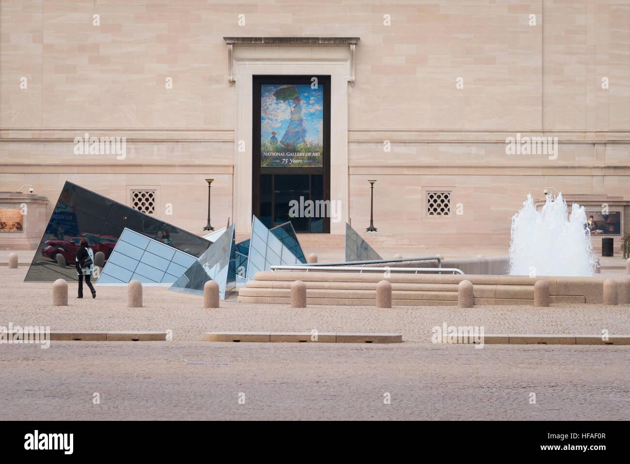 USA Washington DC Capital District de Columbia Exterior Galerie Nationale d'Art moderne sculpture géométrique Photo Stock