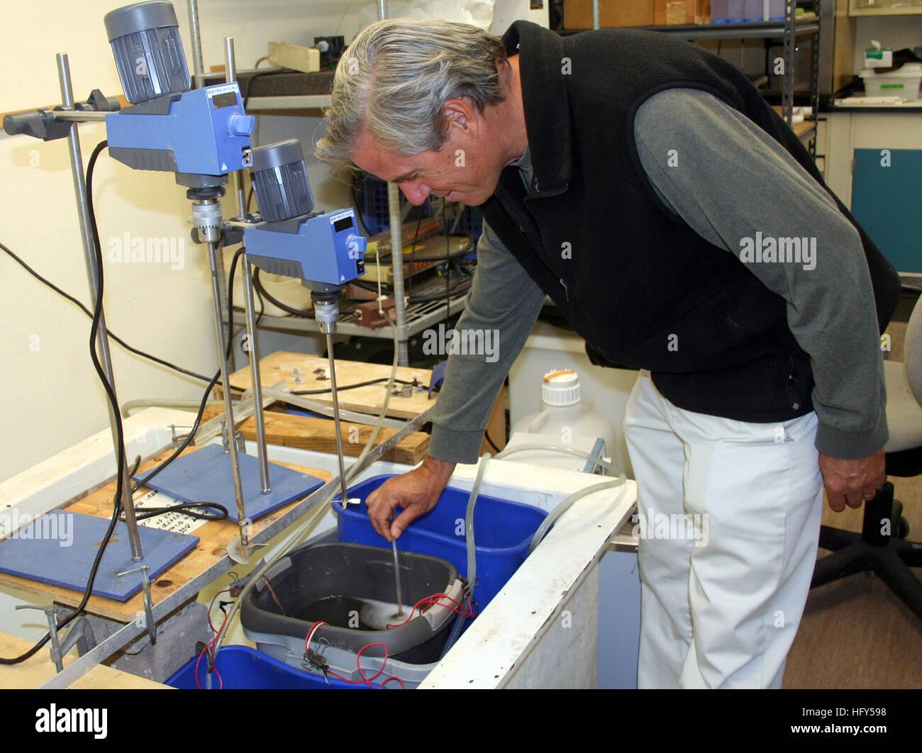 100414-N-0000F-001 SAN DIEGO (14 avril 2010) Bart Chadwick, chef de la Direction générale des sciences Photo Stock