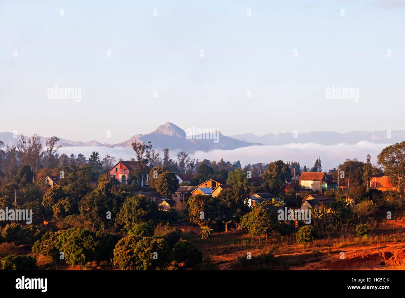 Ambalavao ville et paysages de montagne, zone centrale Photo Stock