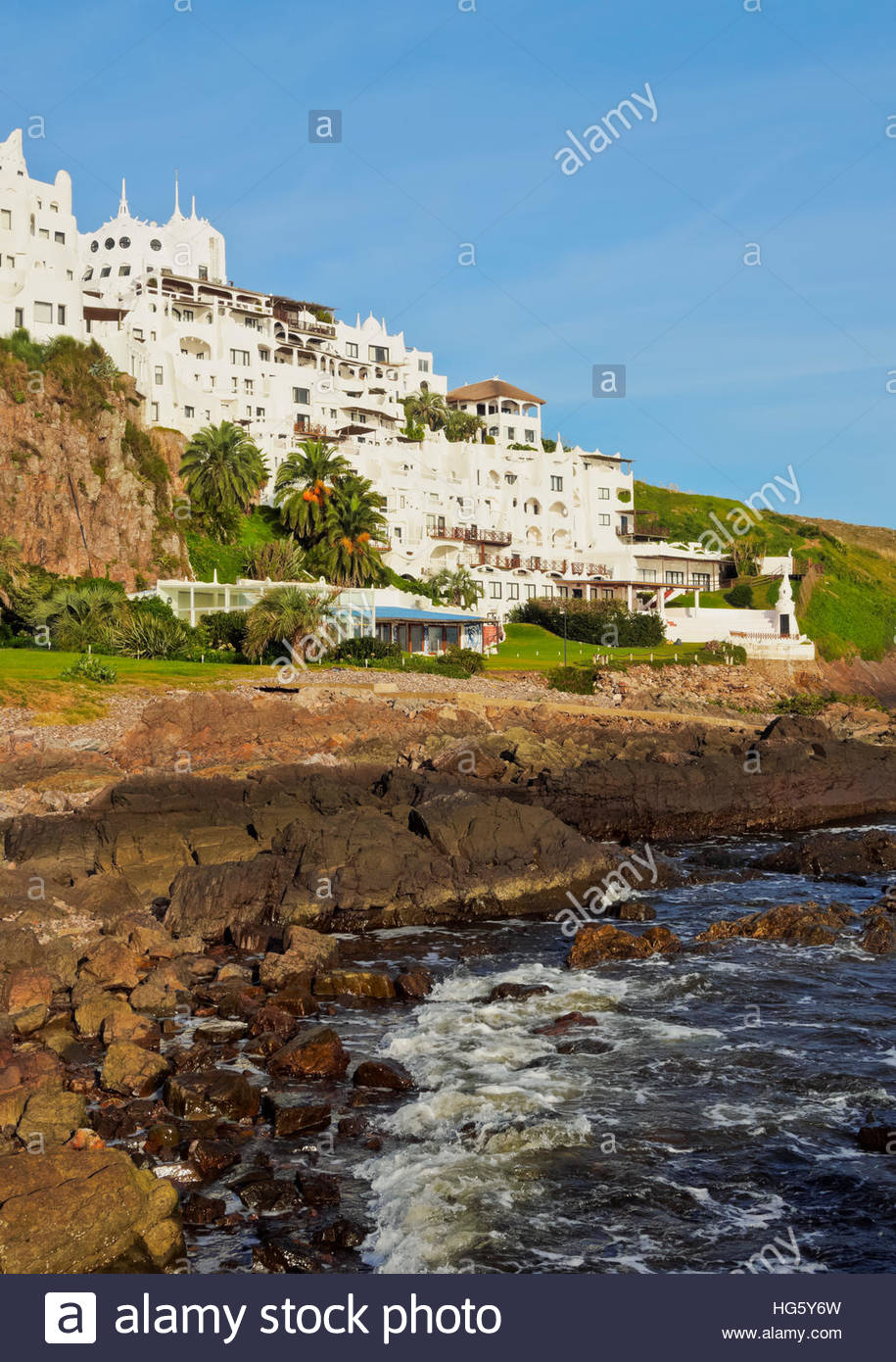 L'Uruguay, Maldonado, Ministère Punta Ballena, vue de l'hôtel, Casapueblo, musée et galerie Photo Stock