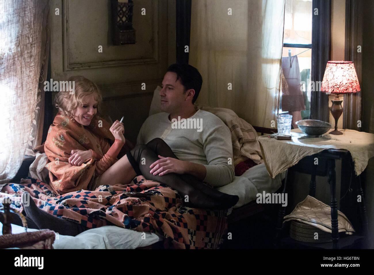 Vivre la nuit est un film américain de 2016 écrit, dirigé, co-produit par et mettant en vedette Ben Photo Stock