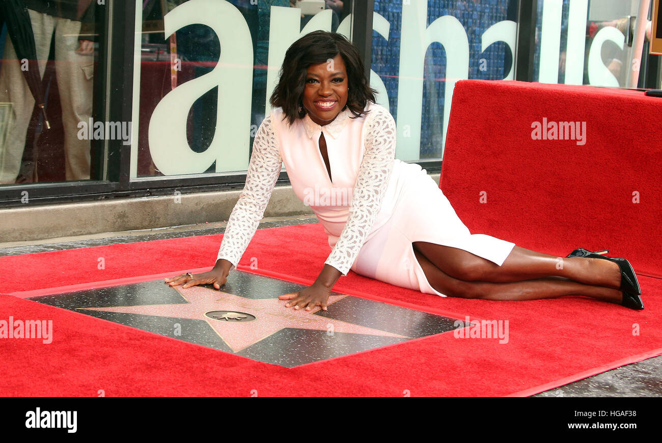 Hollywood, Californie, USA. 5Th Jan, 2017. Viola Davis à l'Honneur avec étoile sur le Hollywood Walk Photo Stock