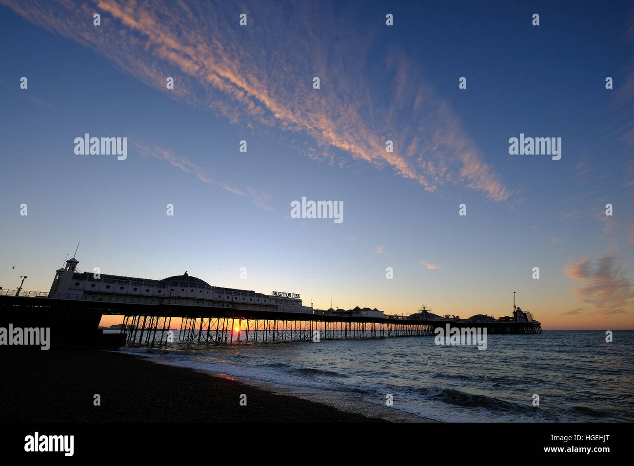 Palace Pier de Brighton East Sussex Sunrise Photo Stock