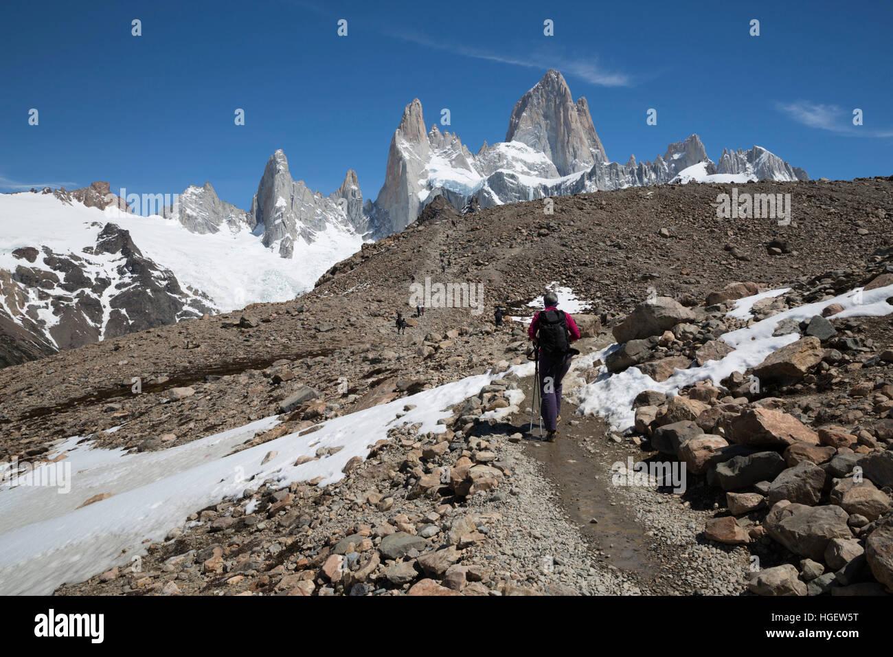 Vue sur le Mont Fitz Roy sur Laguna de los Tres trail, El Chalten, Patagonie, Argentine, Amérique du Sud Photo Stock