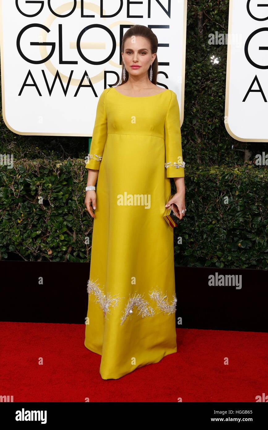 Los Angeles, États-Unis. Le 08 Jan, 2017. Natalie Portman arrive à la 74e assemblée annuelle Golden Globe Awards, Banque D'Images