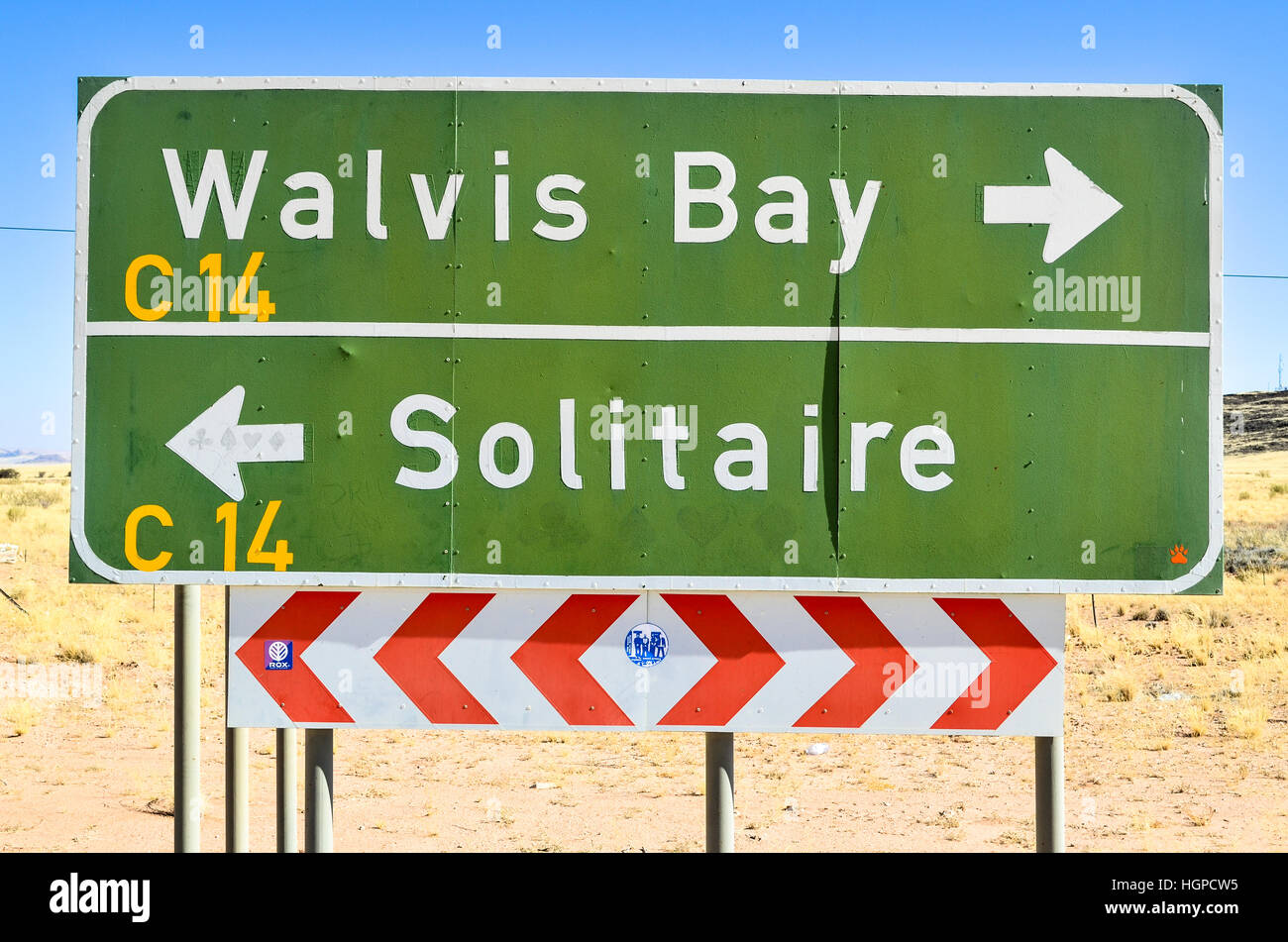 Panneau routier entre Walvis Bay et de solitaire, la Namibie Photo Stock