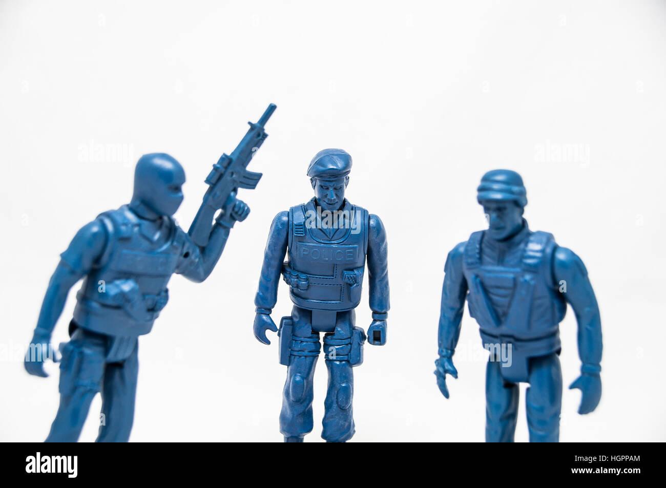 Les jouets de la police en plastique bleu Photo Stock