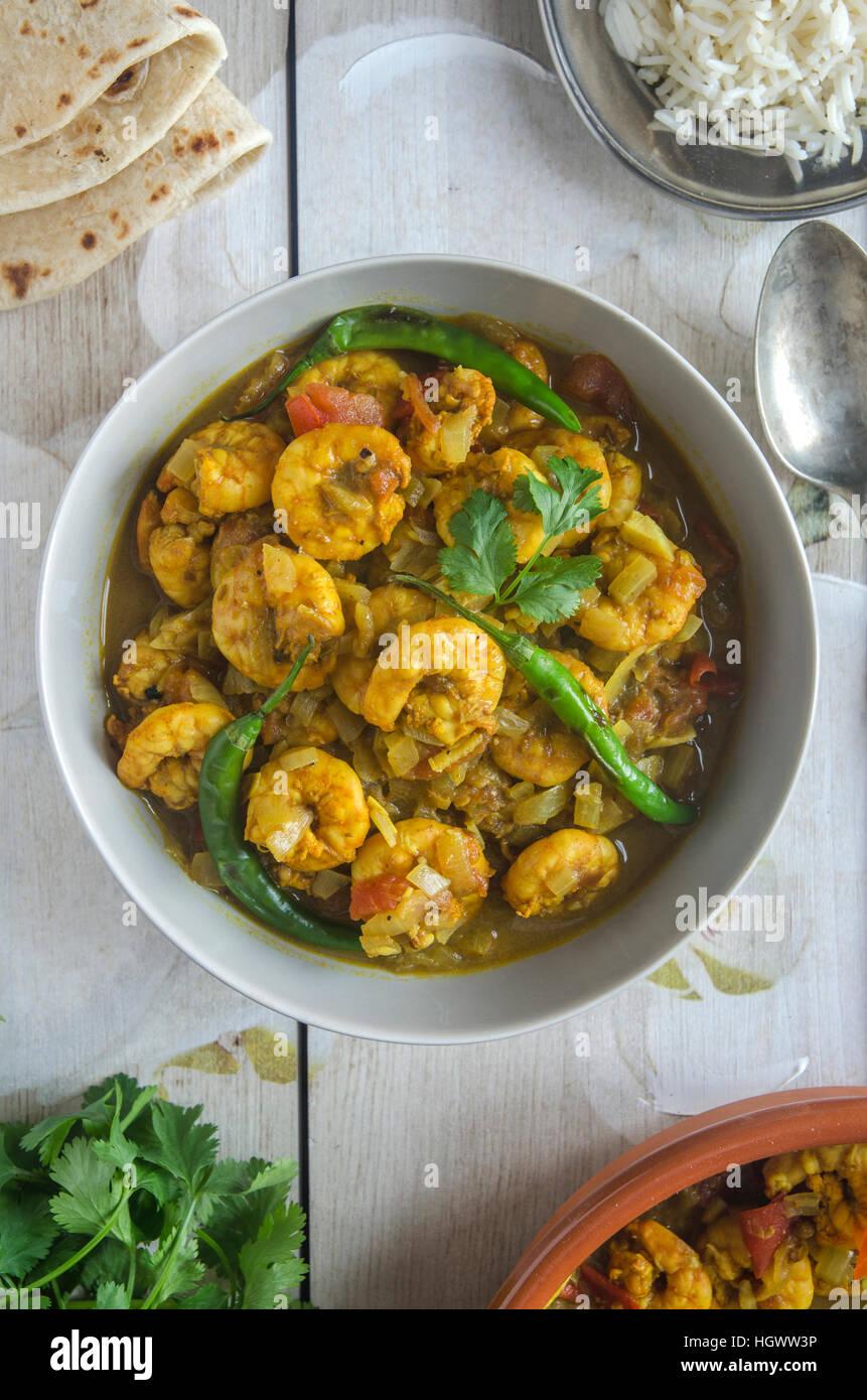 Goan curry de crevettes avec du riz et des chapatis Photo Stock