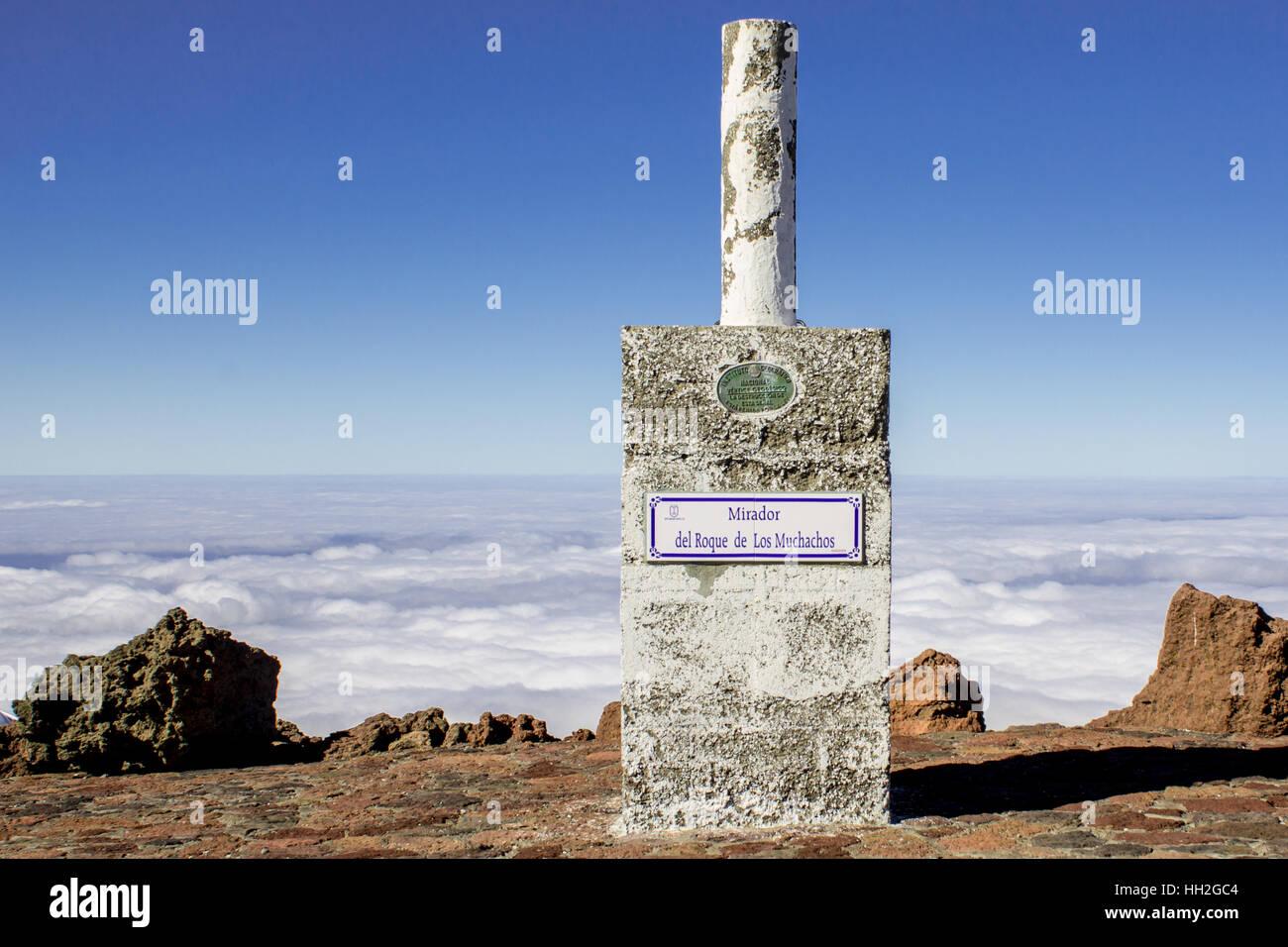Mirador del Roque de los Muchachos. Le plus haut sommet de La Palma, Îles Canaries, Espagne. Banque D'Images