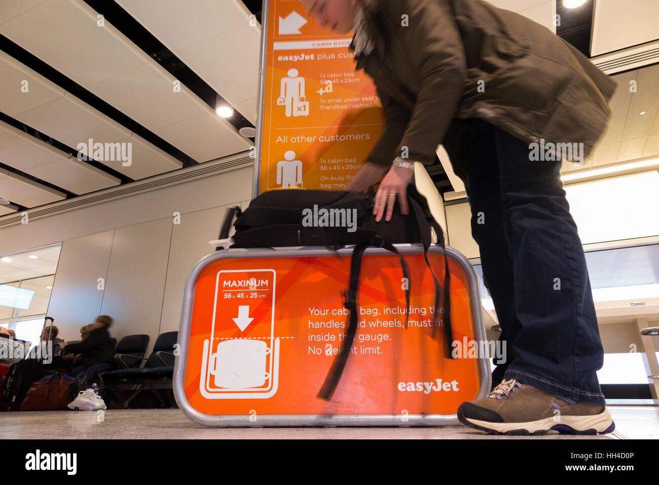 belle couleur chaussure vente à bas prix La taille des bagages sac cage châssis : testeur de mesurer ...