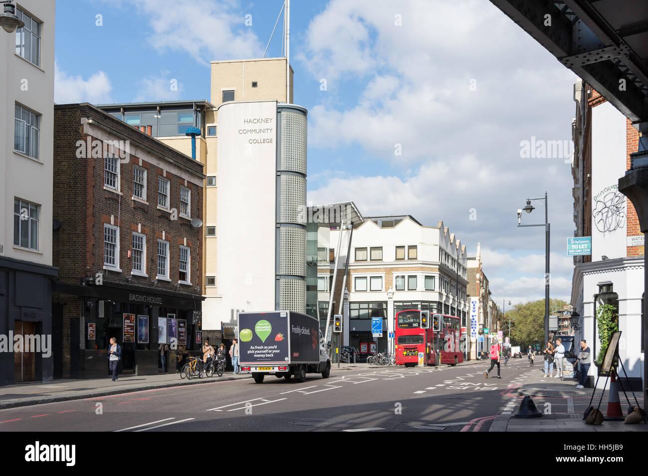 Shoreditch High Street, Shoreditch, London Borough of Hackney, Greater London, Angleterre, Royaume-Uni Photo Stock