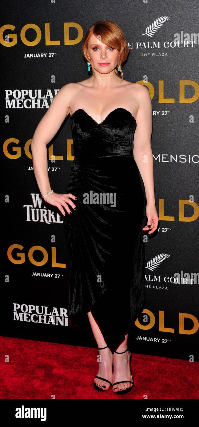 New York City, USA. 17 janvier, 2017. Bryce Dallas Howard vu lors de la première mondiale de 'Gold' dans l'AMC Loews Banque D'Images