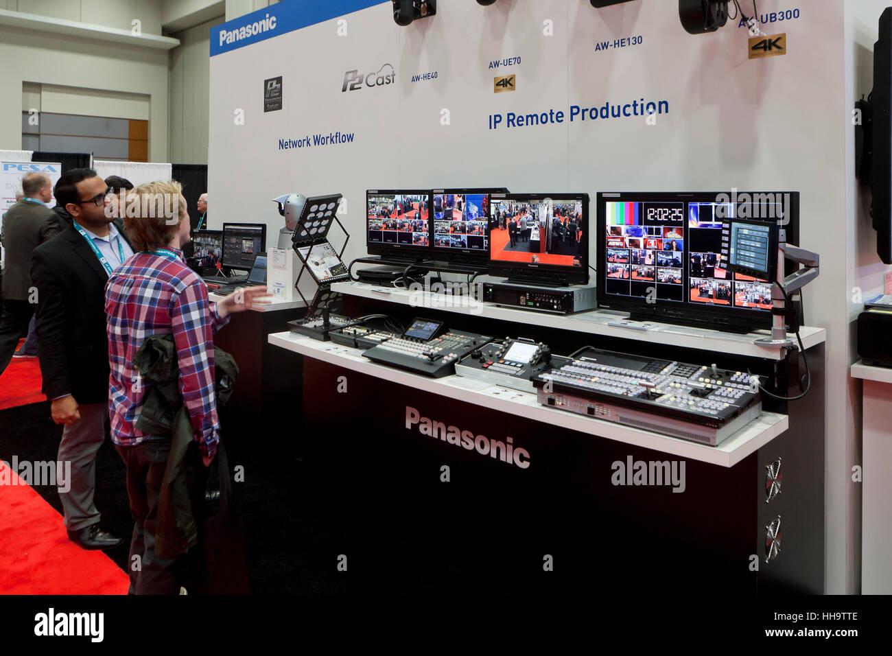 Enregistrement et montage vidéo Panasonic système s'affichent dans une foire commerciale - USA Banque D'Images