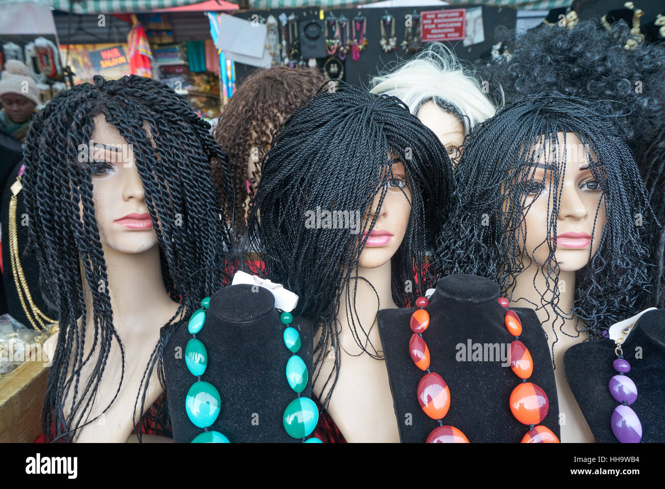 Perruques, Ridley Road, Dalston. Styles de Cheveux africains. Photo Stock