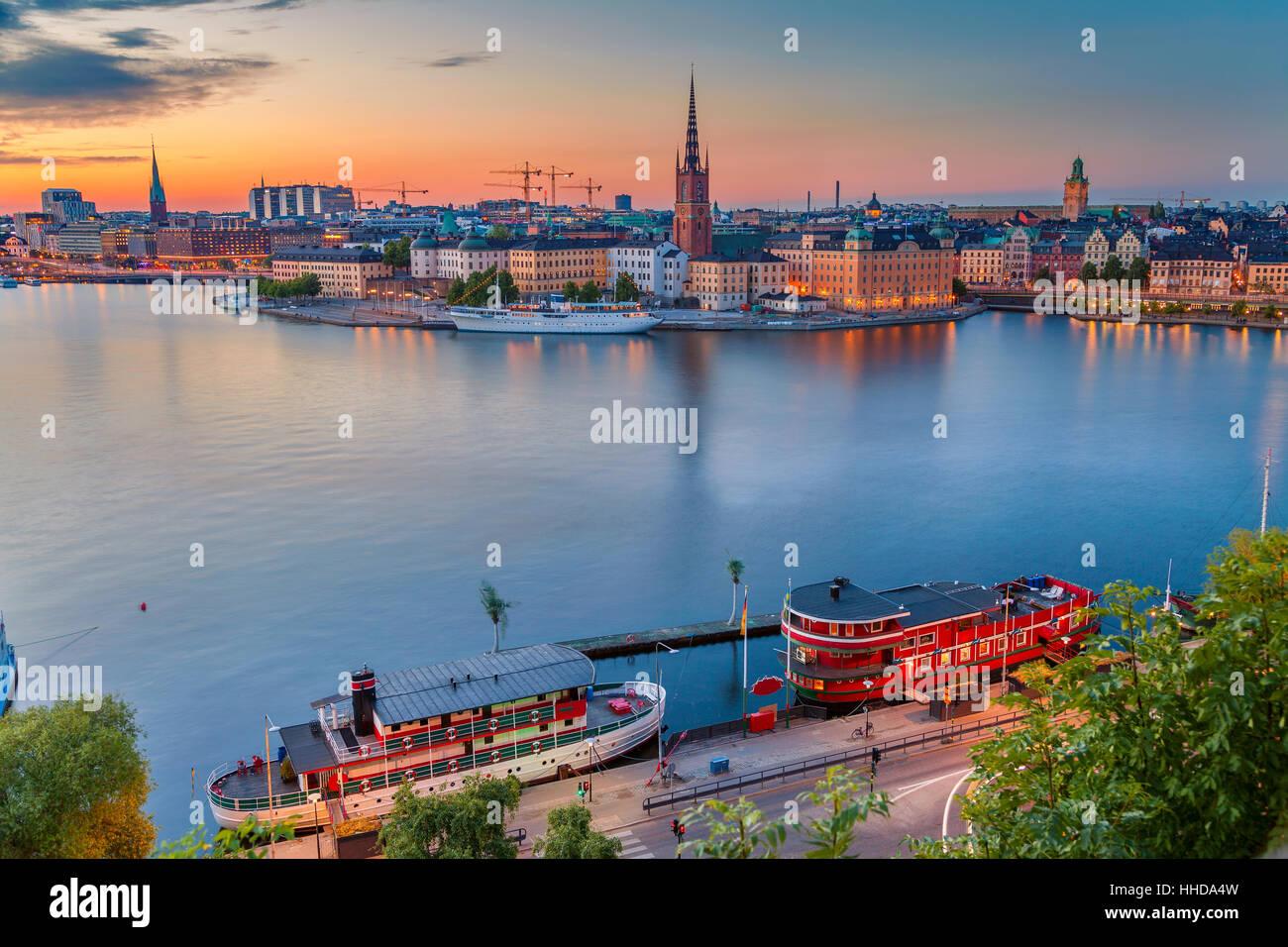 Stockholm. Cityscape image de Stockholm, Suède pendant le crépuscule heure bleue. Photo Stock