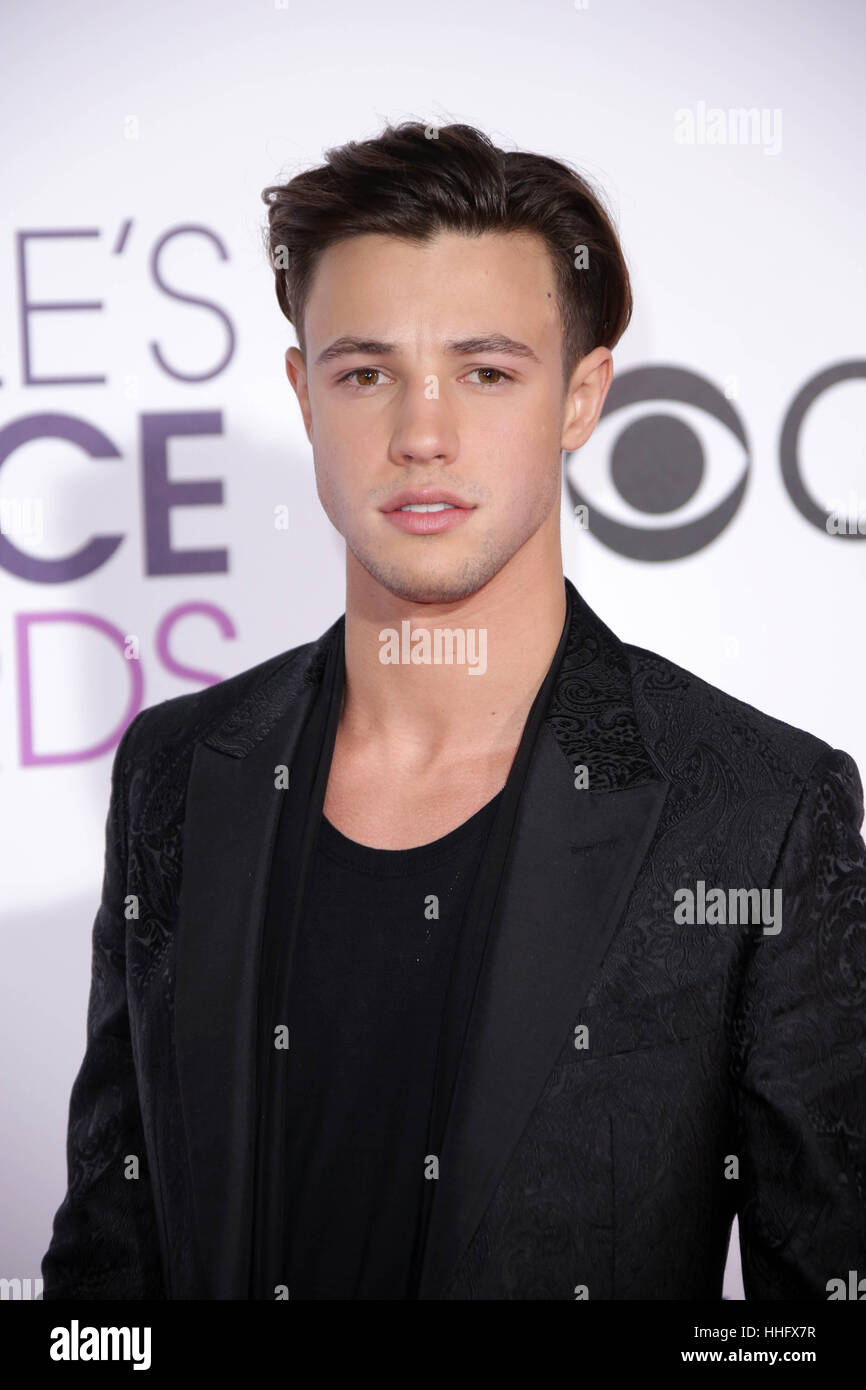 Los Angeles, CA, USA. 18 janvier, 2017. Cameron Dallas au 42e People's Choice Awards de Microsoft Theatre de Photo Stock