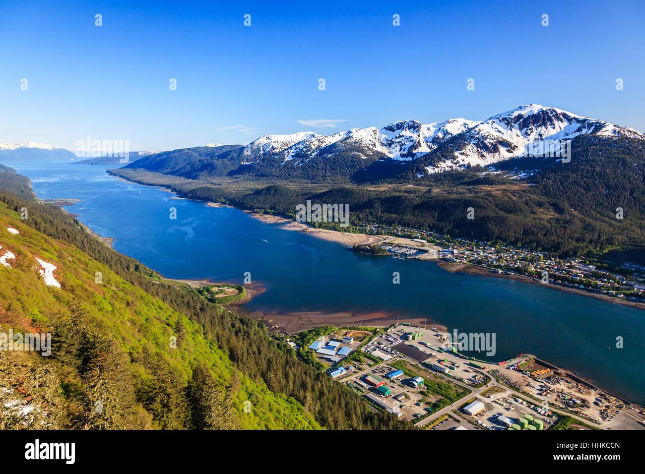 Juneau, Alaska. Vue aérienne de l'île Douglas et canal Gastineau. Photo Stock