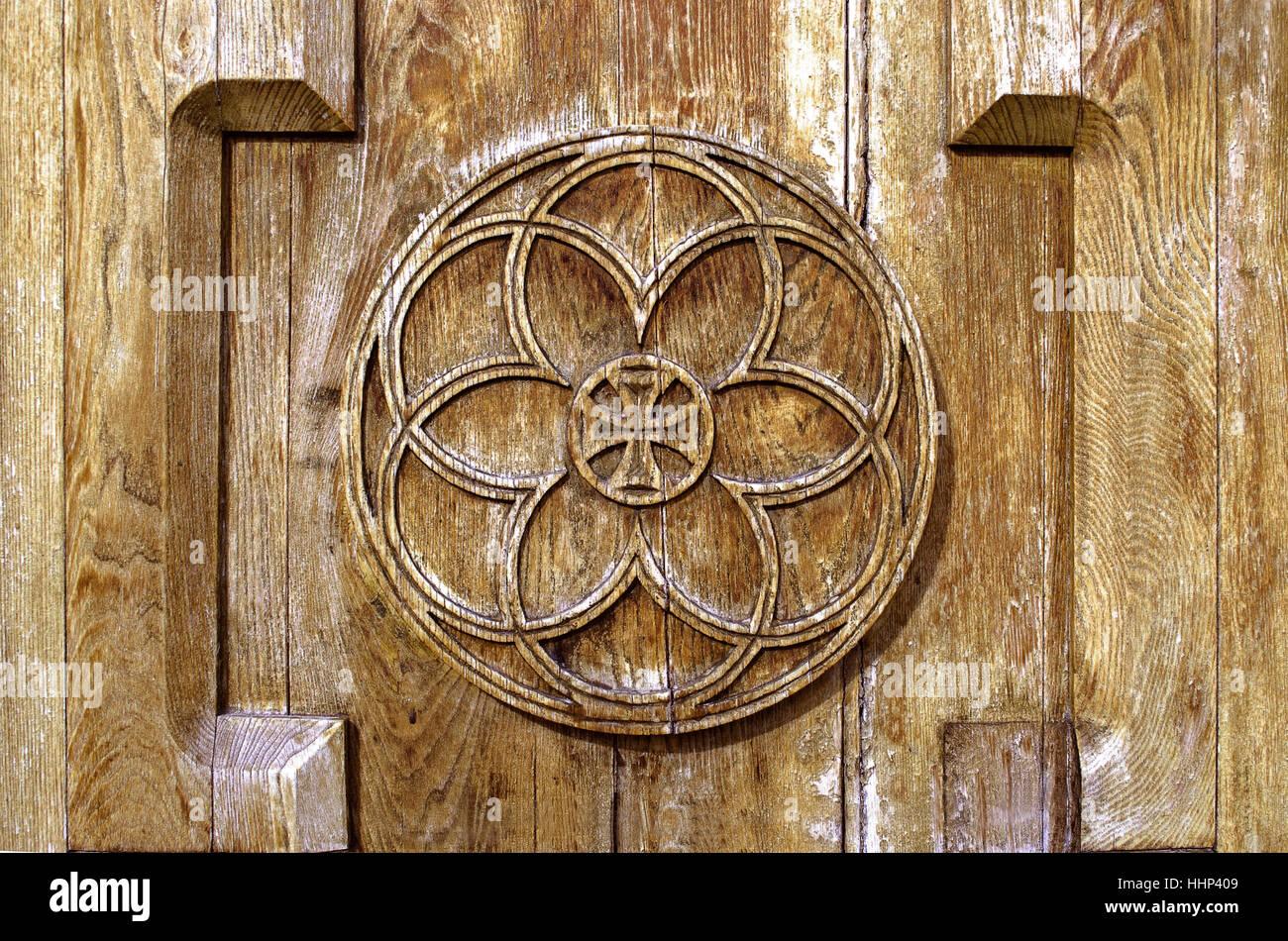 Découper Sur Leglise Porte En Bois Le Soleil Dune Croix Symbole