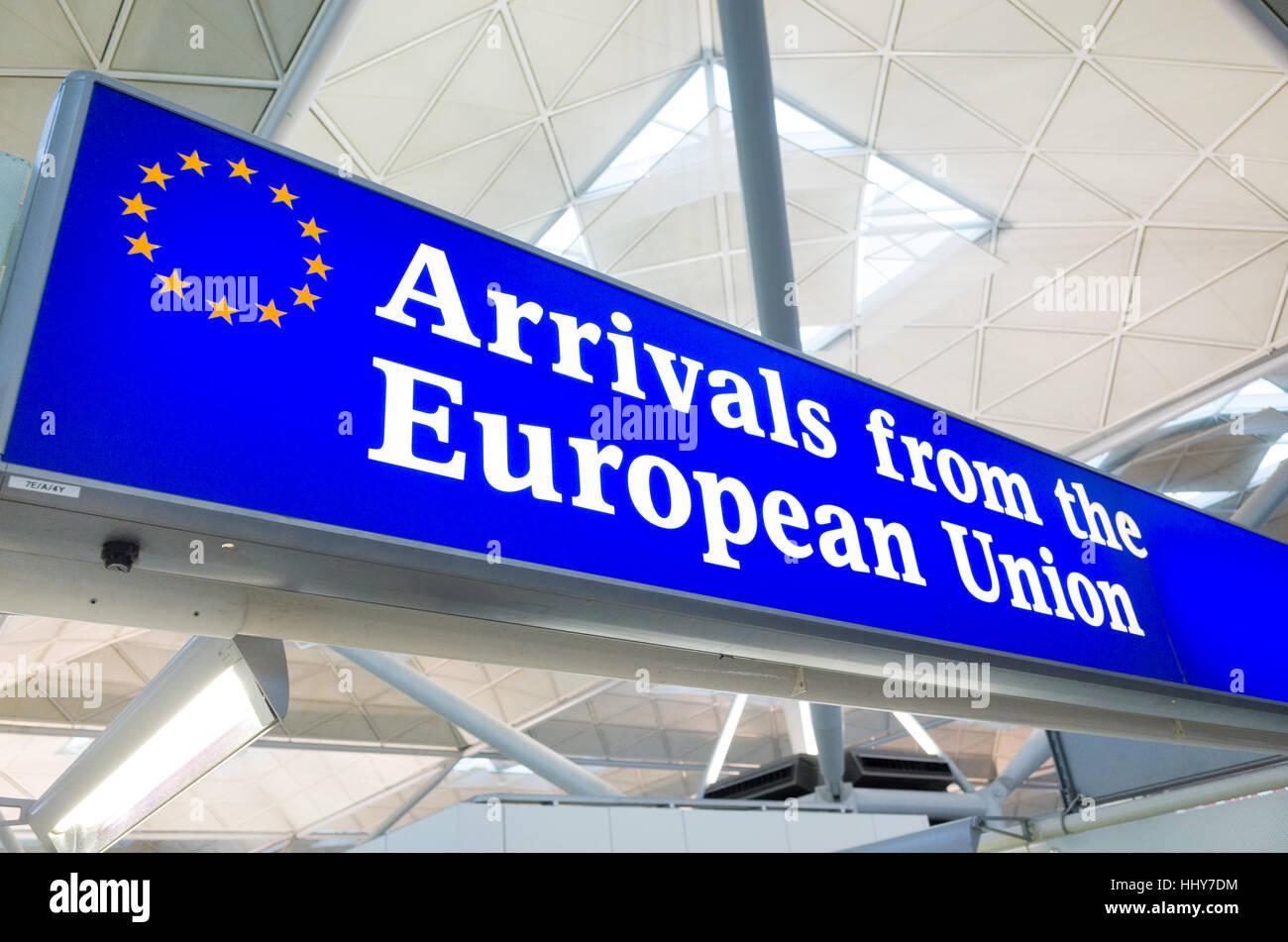 Arrivées à partir de la canal douanier de l'Union européenne à l'aéroport de Stansted, Photo Stock