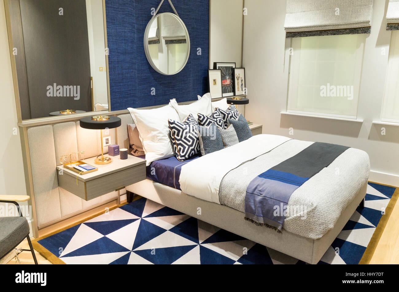 Dans la chambre à coucher appartement showroom marketing suite d'un nouveau développement immobilier, Photo Stock