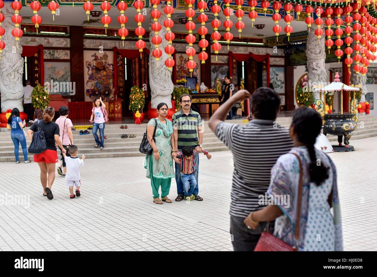 Vue générale du Temple de Thean Hou avant le Nouvel An lunaire du coq à l'occasion des célébrations, Photo Stock