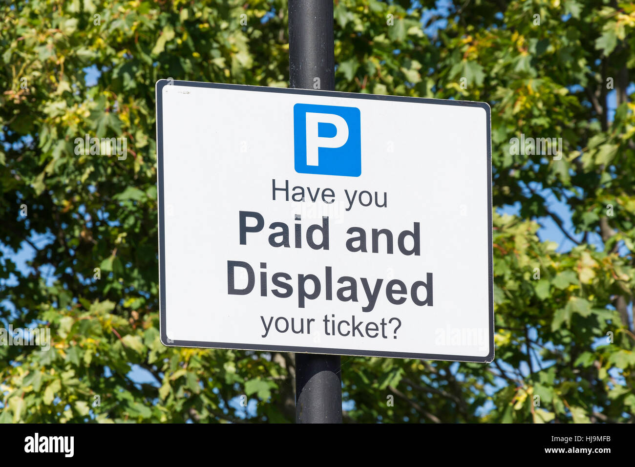 Payer et Afficher parking sign, Saint Martins à pied Parking, Dorking, Surrey, Angleterre, Royaume-Uni Photo Stock