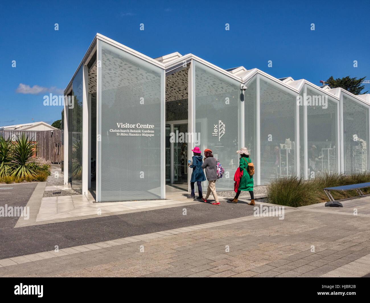 Les visiteurs qui entrent dans le nouveau Centre des visiteurs, ouvert en 2014, dans les jardins botaniques, Christchurch, Photo Stock
