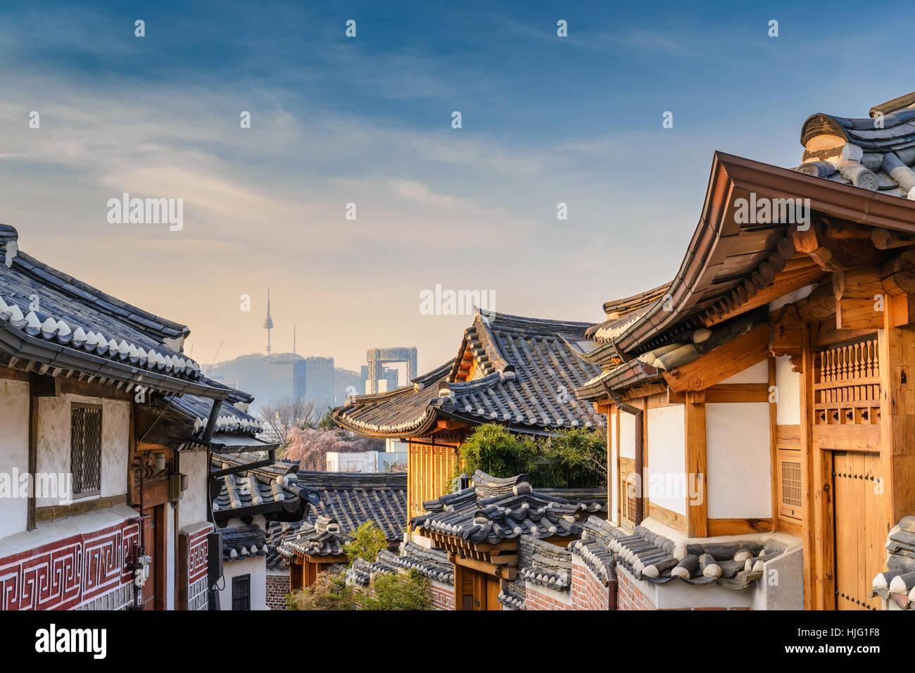 Le village de Bukchon Hanok et toits de la ville de Séoul, Séoul, Corée du Sud Banque D'Images