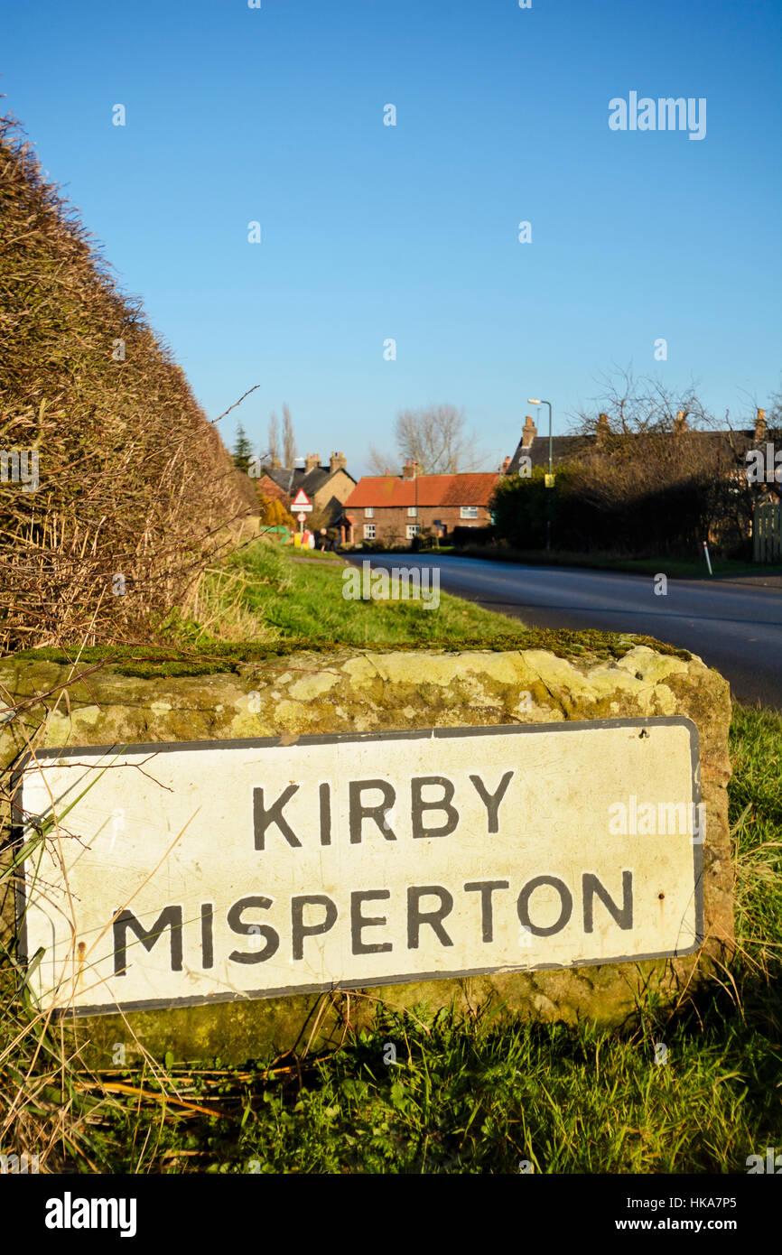 5d46ed51c8e029 Enseigne de la pittoresque village de North Yorkshire Kirby Misperton