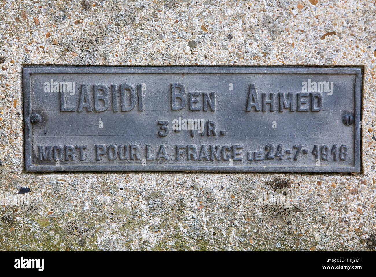 Cimetière militaire français comprenant 990 soldats dans quatre ossuaires. Photo Stock