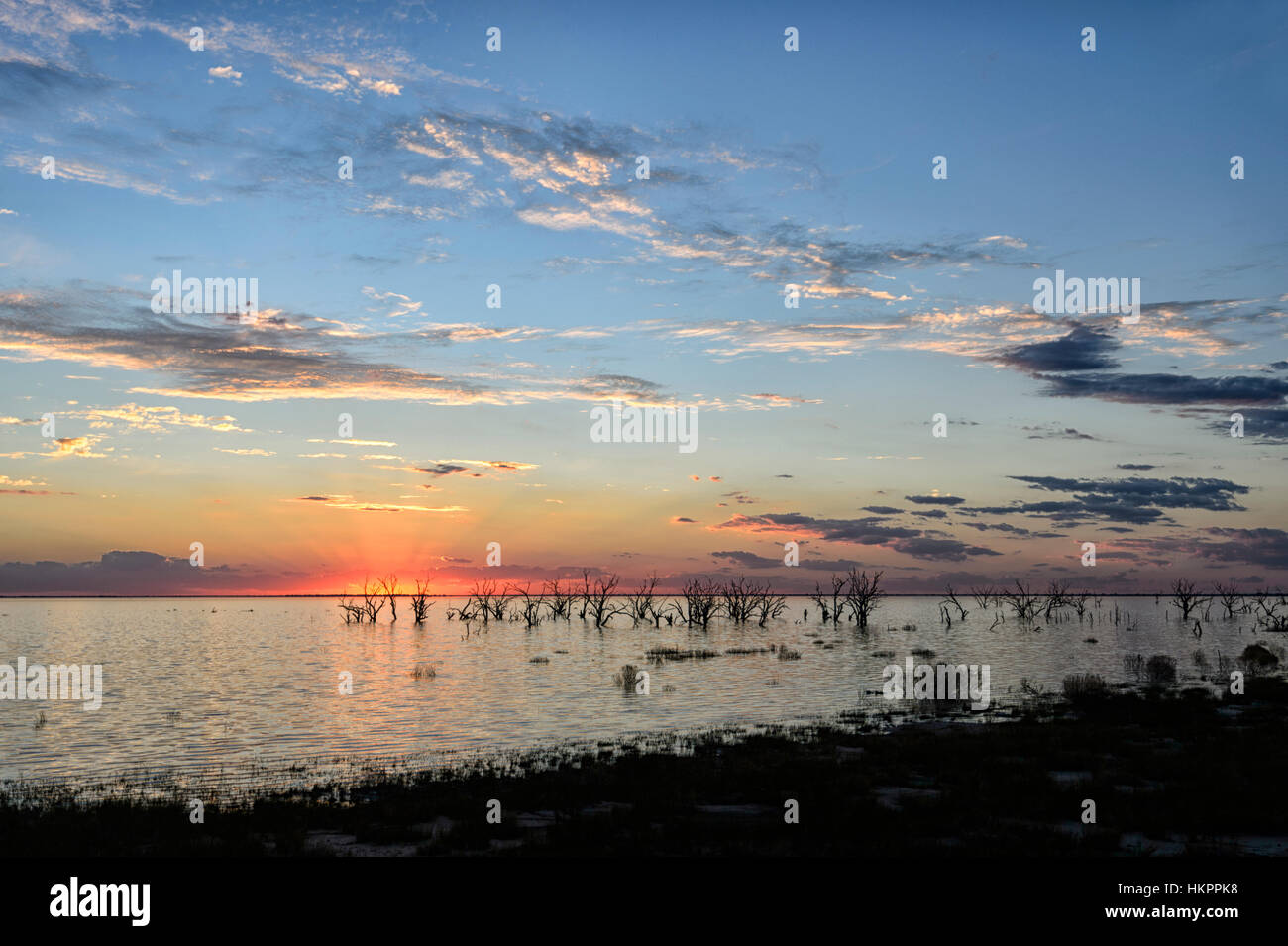 Coucher du soleil sur le lac Menindee, New South Wales, Australie Photo Stock