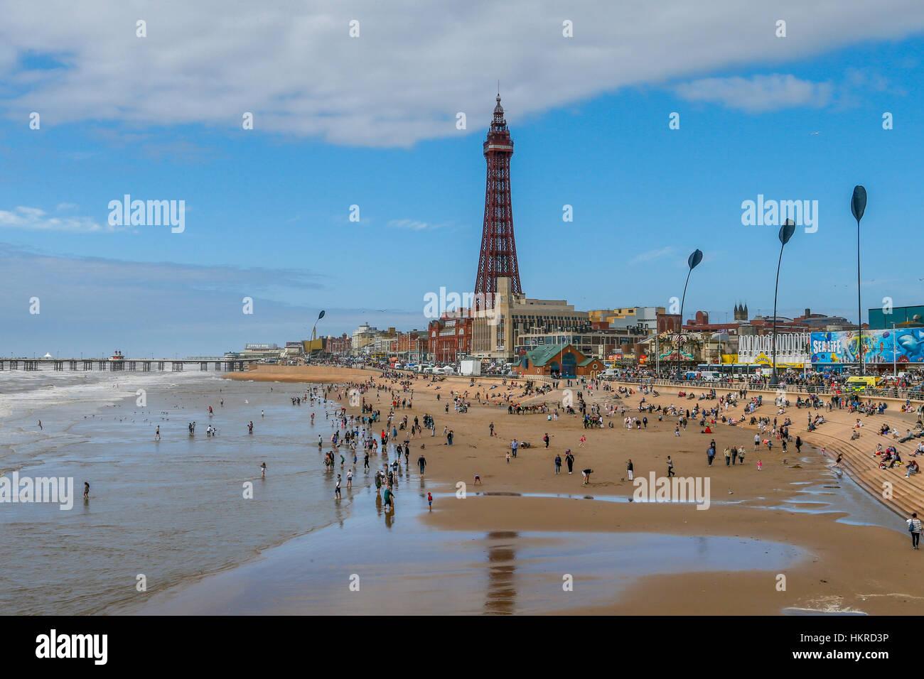 Front de mer de Blackpool Tower et Blackpool, Lancashire, Angleterre,. Photo Stock
