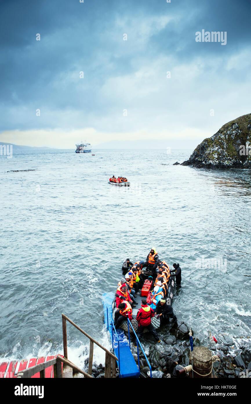 Stella Australis croisière vers le Cap Horn - canot dans l'échouage au Cap Horn parc national des îles Banque D'Images
