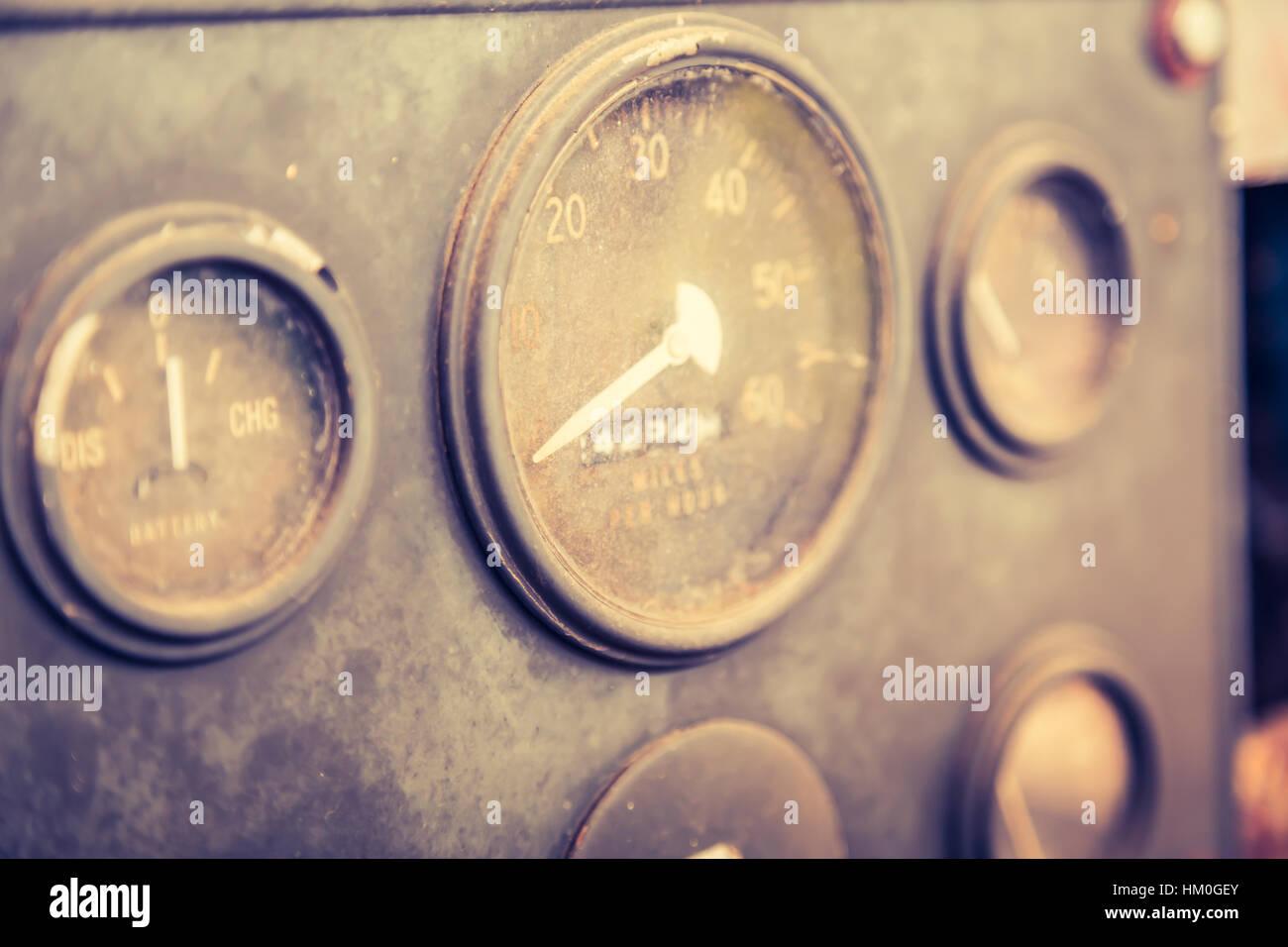 Vintage Car mètre jauge ( image filtrée traitées effet vintage. ) Banque D'Images