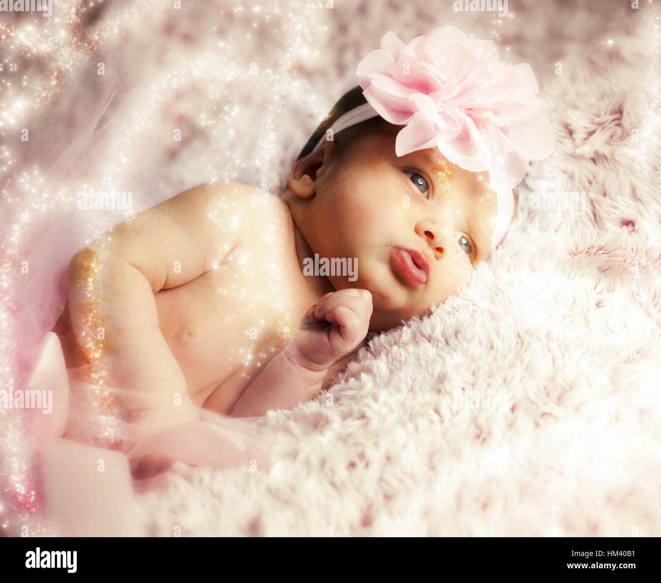 Naissance bebe Fille portant un tutu ballerine rose Banque D Images ... 23d451f64c3