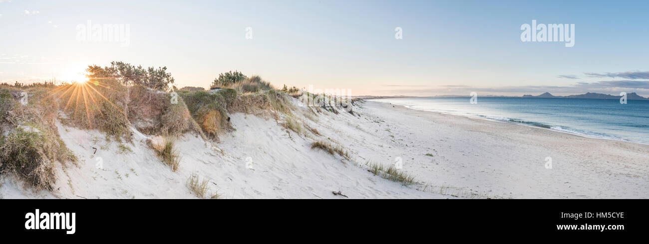 Plage au coucher du soleil, Waipu, Northland, Nouvelle-Zélande Photo Stock