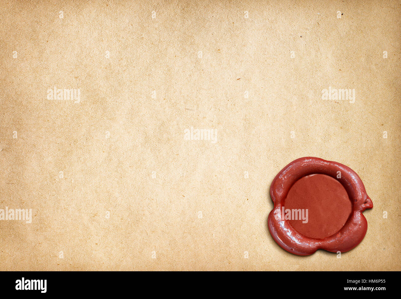 vieux papier parchemin lettre avec sceau de cire rouge banque d 39 images photo stock 132914801. Black Bedroom Furniture Sets. Home Design Ideas