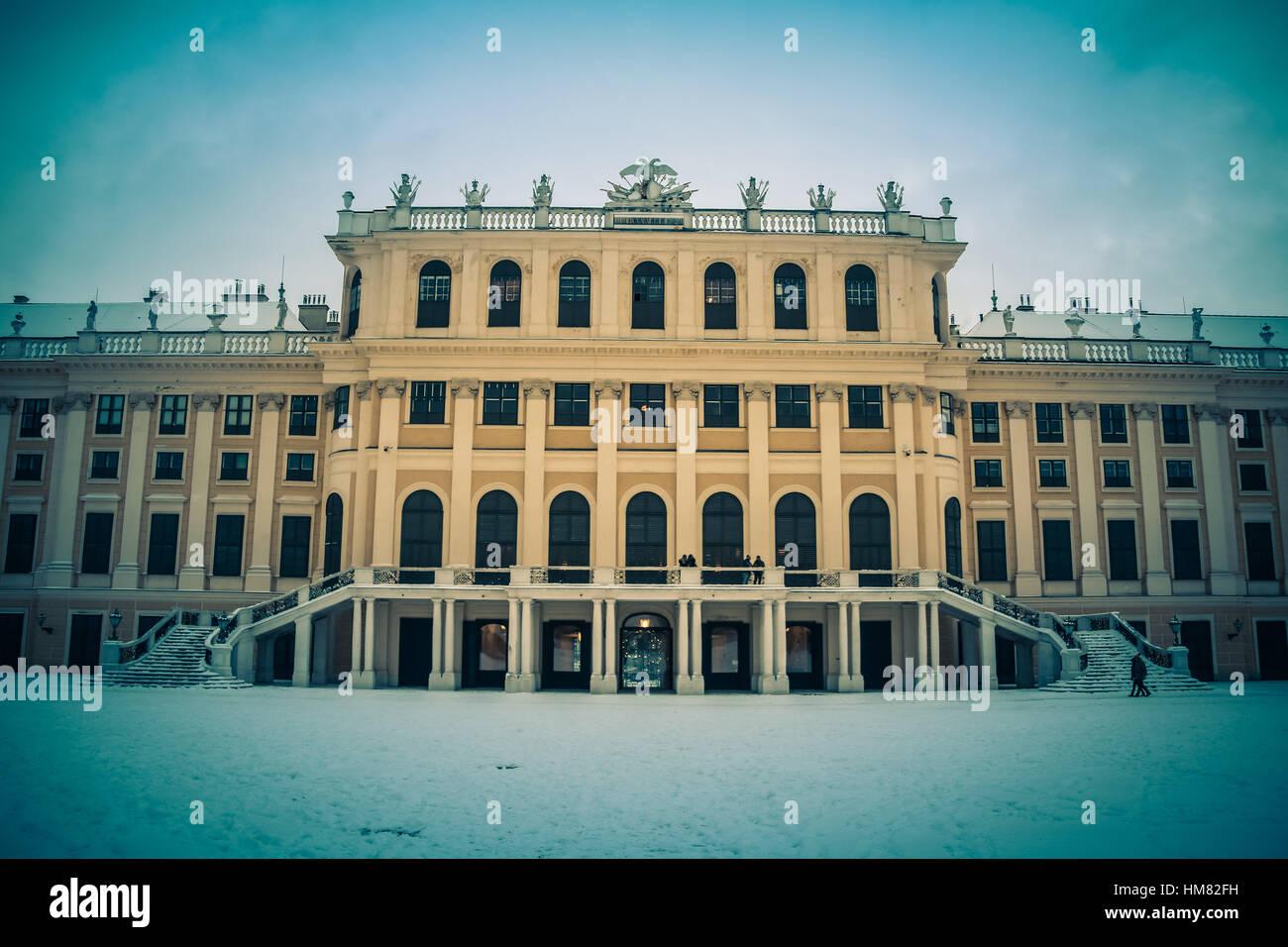 L'humeur d'hiver au parc et le palais de Schönbrunn à Vienne Photo Stock