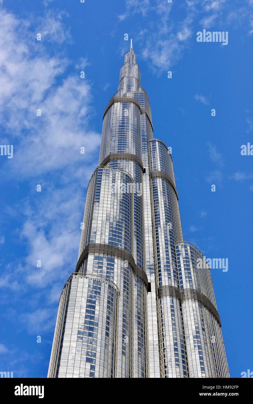 Le Gratte Ciel Burj Khalifa La Plus Haute Structure Humaine