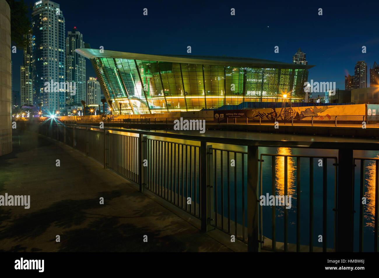 Dubaï émirats arabes unis 9 novembre 2016 nuit vue sur dhow emblématique