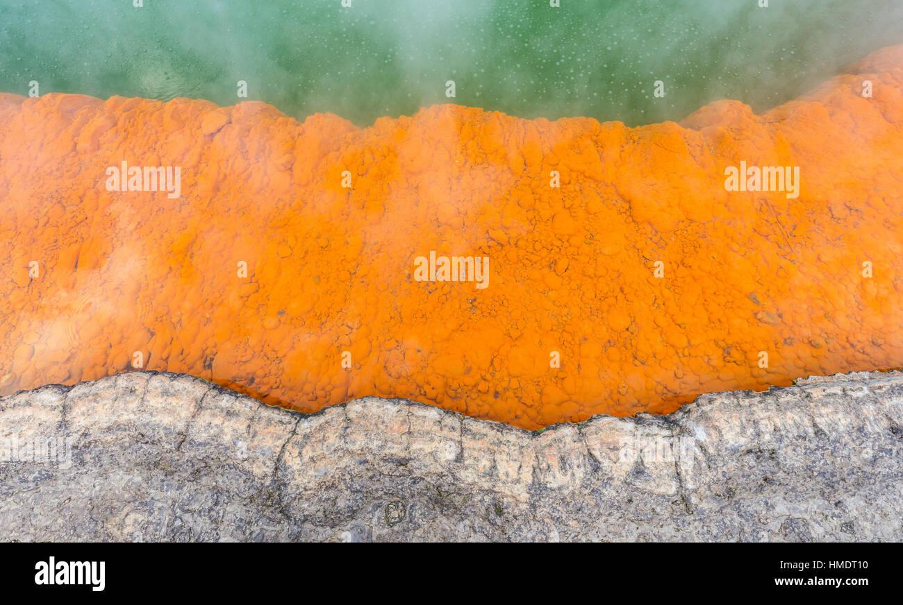 Champagne Pool, Hot spring, Waiotapu Geothermal Wonderland, Rotorua, île du Nord, Nouvelle-Zélande Photo Stock