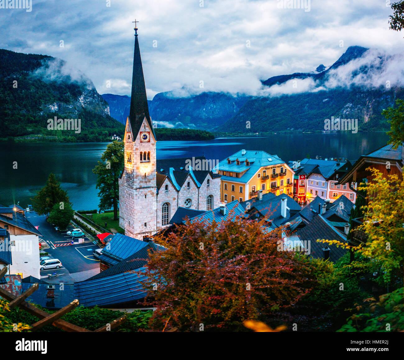 Alpine Village de Hallstatt Photo Stock