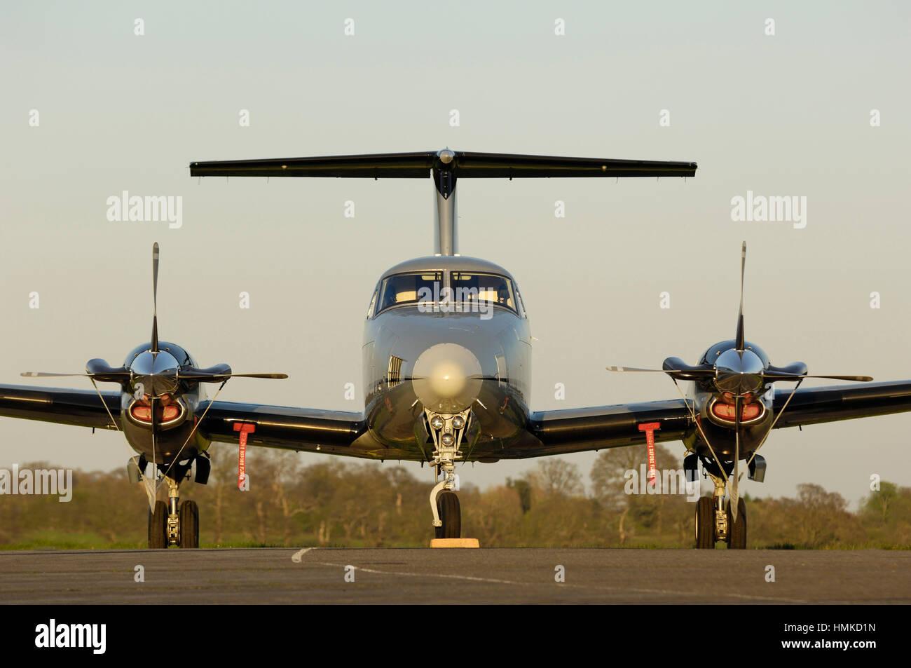 Aviation synergie Beechcraft King Air B200 garé Photo Stock
