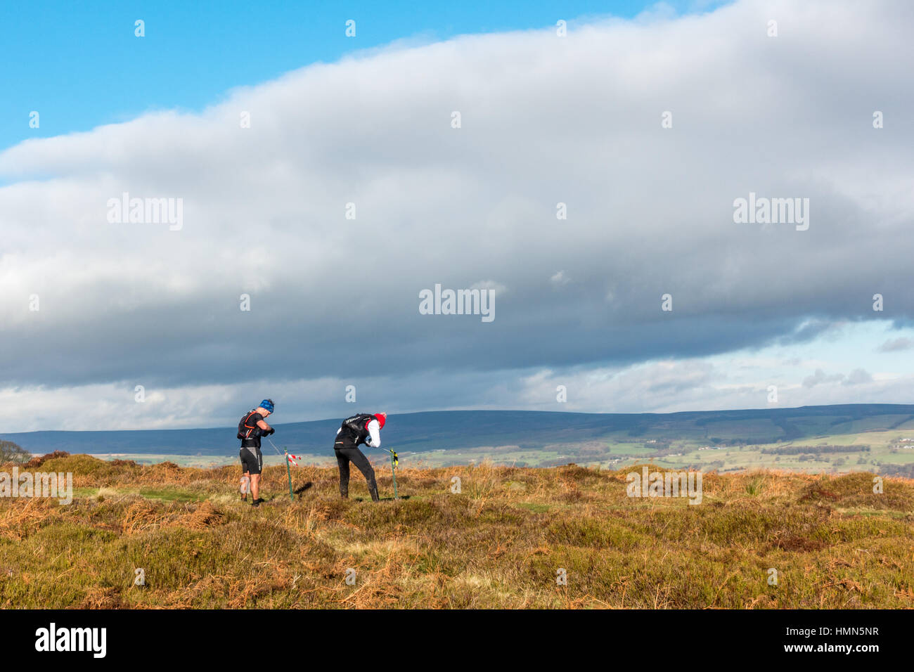 UK Sport : Ilkley Moor, West Yorkshire, Royaume-Uni. 4 février 2017. Porteur de prendre part à la Photo Stock